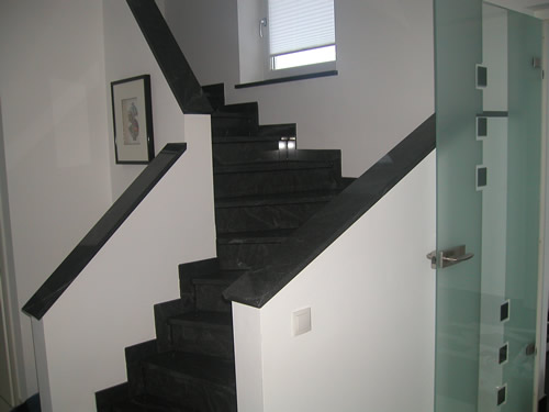treppe fliesen mit schiene anleitung ber ideen zu fliesen verlegen auf. Black Bedroom Furniture Sets. Home Design Ideas